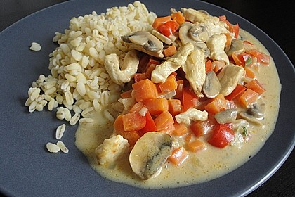 Cremiges Curry-Hühnchen mit Gemüse 30