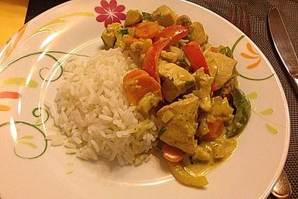 Cremiges Curry-Hühnchen mit Gemüse 17