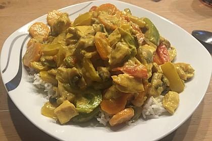Cremiges Curry-Hühnchen mit Gemüse 16