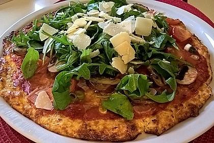 Low Carb Pizzaboden aus Blumenkohl 4