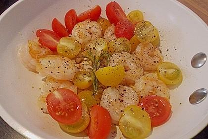 Feldsalat mit Garnelen und Tomaten 9
