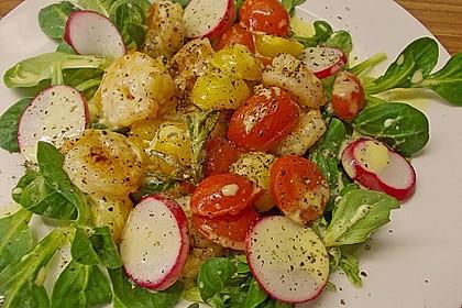 Feldsalat mit Garnelen und Tomaten 6