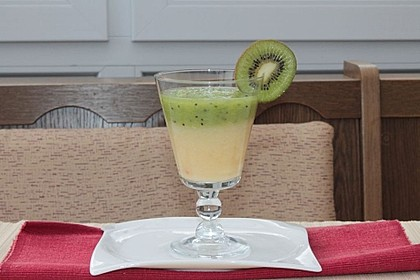 Ananas-Kiwi-Smoothie 1