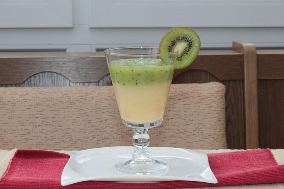 ananas kiwi smoothie rezept mit bild von sp1904. Black Bedroom Furniture Sets. Home Design Ideas