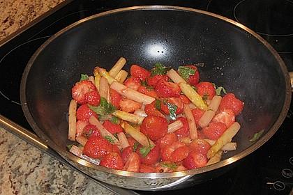 Gebratener Spargel mit Erdbeeren 3