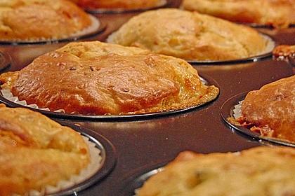 Birne-Gorgnozal Muffins mit Walnüssen