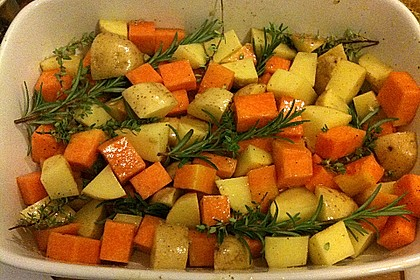 Kürbis, Kartoffeln und Hähnchenschenkel aus dem Backofen 26