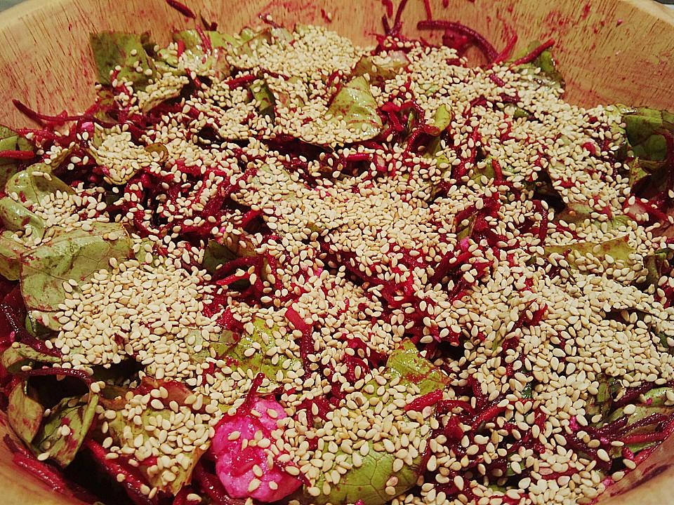 salat mit rote bete sesam und feta von gourmetprinzessin. Black Bedroom Furniture Sets. Home Design Ideas