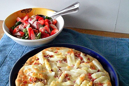 Superleckere und schnelle Spargelpizza