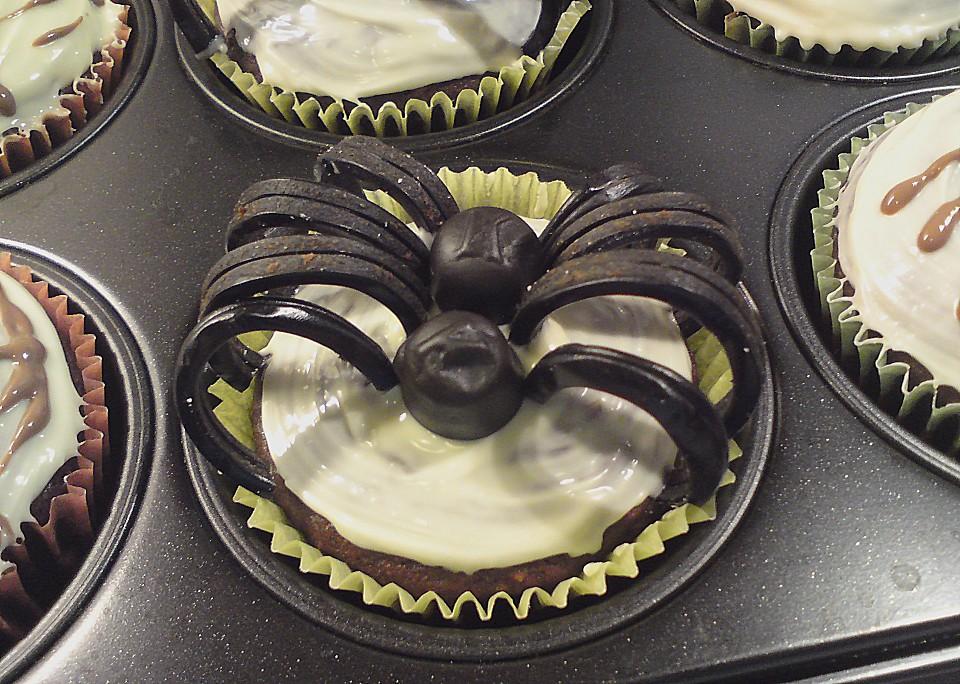 halloween muffins von muffin bakery. Black Bedroom Furniture Sets. Home Design Ideas