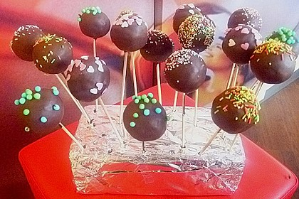 Chocolate Cupcake Cake Pops 50