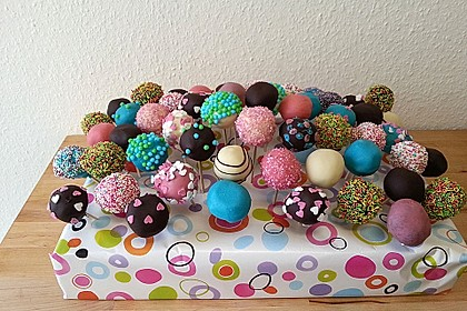 Chocolate Cupcake Cake Pops 14