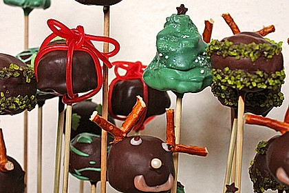Chocolate Cupcake Cake Pops 25