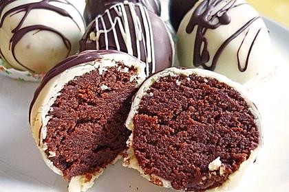 Chocolate Cupcake Cake Pops 12