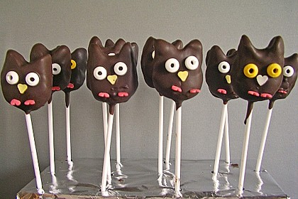 Chocolate Cupcake Cake Pops 14