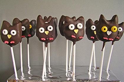 Chocolate Cupcake Cake Pops 19