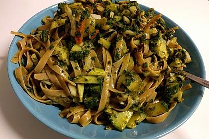 Spaghetti-Curry-Salat 24