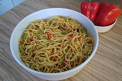 Spaghetti-Curry-Salat 4
