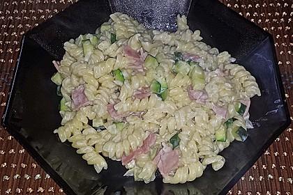 Die berühmten Zucchini-Frischkäse-Nudeln 9