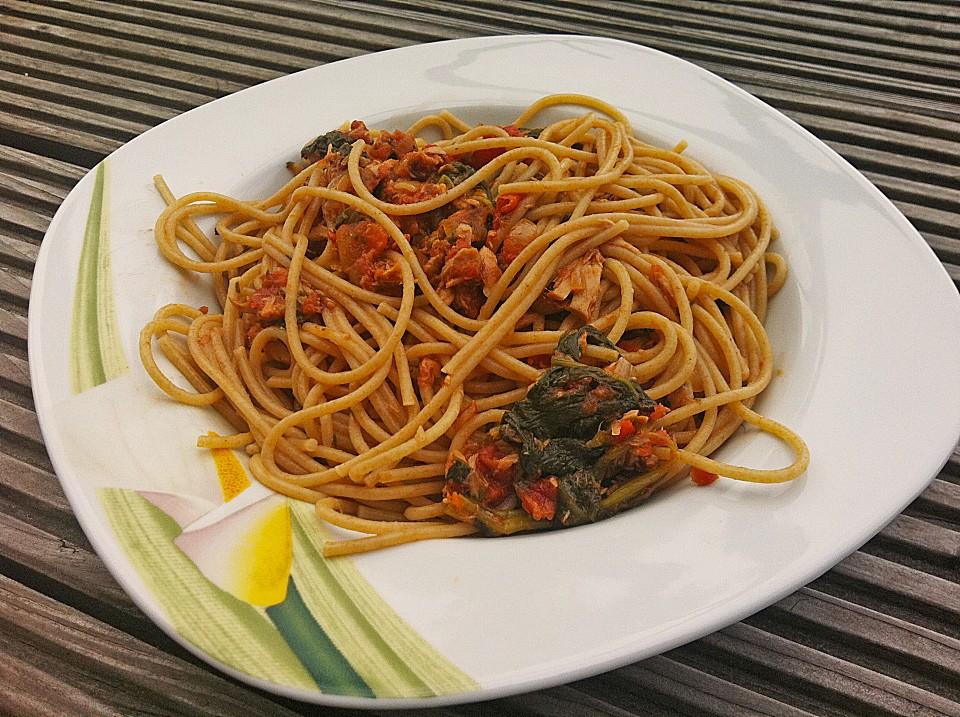 spaghetti mit thunfisch bolognese rezept mit bild. Black Bedroom Furniture Sets. Home Design Ideas