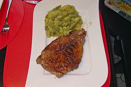Plattes Gewürz-Brathuhn