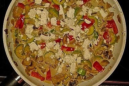 Zucchini-Champignon-Pfanne mit Feta