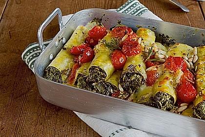 Grünkohl-Cannelloni mit Tomate und Mozzarella