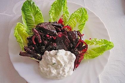 Rote Bete-Salat mit Schnittlauchcreme und Koriander