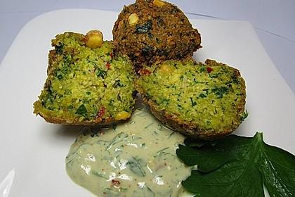 Falafel mit Tahini-Sauce 3