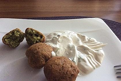 Falafel mit Tahini-Sauce 7
