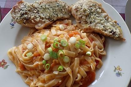 Hähnchenbrust mit Rosmarin-Parmesankruste und Linguine in Honig-Chili Sugo 2