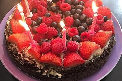 Brownie-Torte mit Beeren 2