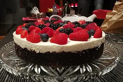 Brownie-Torte mit Beeren 16