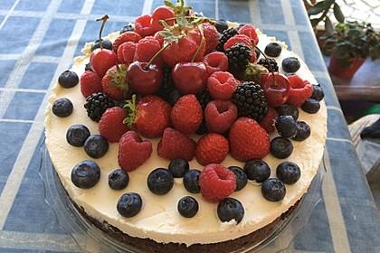 Brownie-Torte mit Beeren 4
