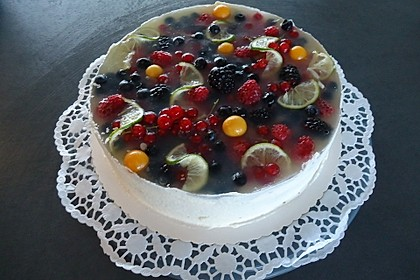 Brownie-Torte mit Beeren 22