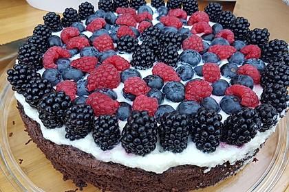 Brownie-Torte mit Beeren 7