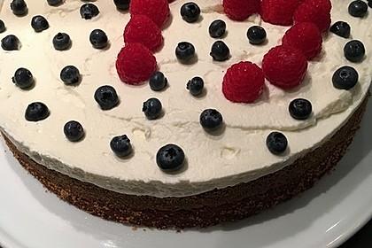 Brownie-Torte mit Beeren 21