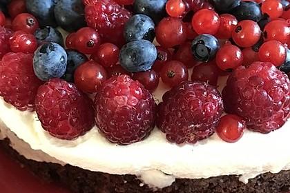 Brownie-Torte mit Beeren 20