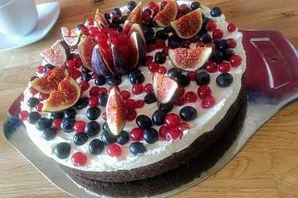 Brownie-Torte mit Beeren 17