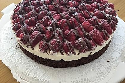 Brownie-Torte mit Beeren 27