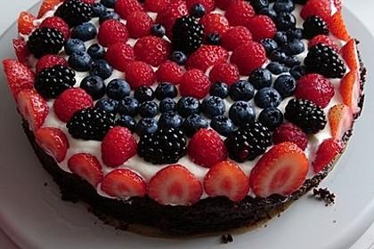 Brownie-Torte mit Beeren 37
