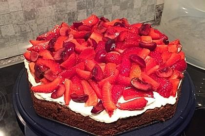 Brownie-Torte mit Beeren 33
