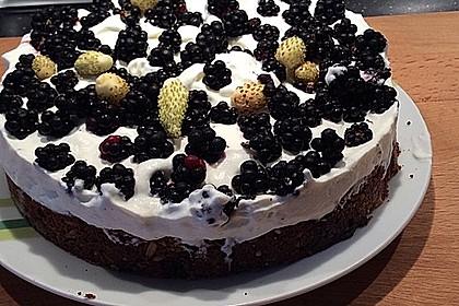 Brownie-Torte mit Beeren 24