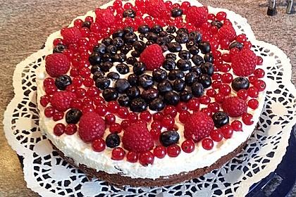 Brownie-Torte mit Beeren 6
