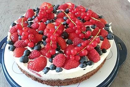 Brownie-Torte mit Beeren 13