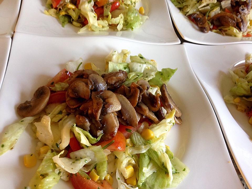 gemischter salat mit warmen champignons und honig senf vinaigrette rezept mit bild. Black Bedroom Furniture Sets. Home Design Ideas