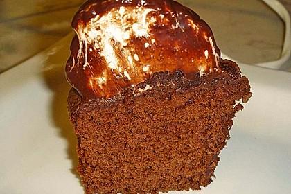Schokoladenmuffins mit einem Marshmallowhut 92