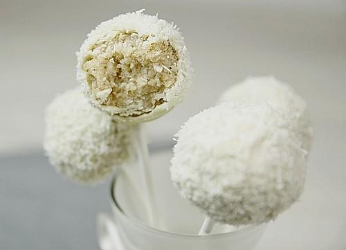 coconut cake pops rezept mit bild von dashonigkuchenpferd. Black Bedroom Furniture Sets. Home Design Ideas