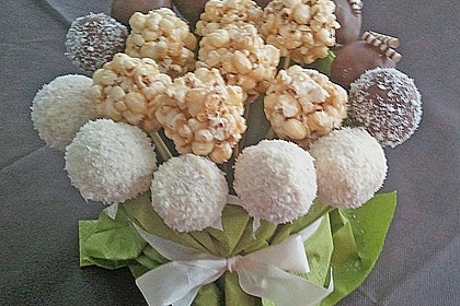 Coconut Cake Pops 19