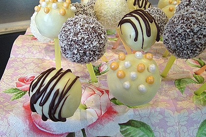 Coconut Cake Pops 5